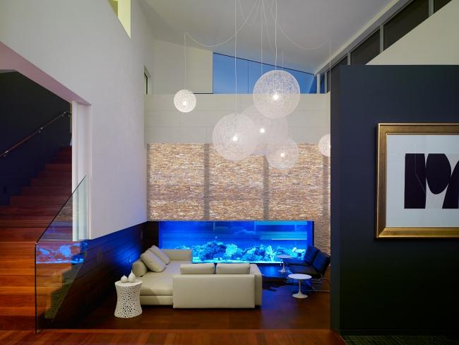 Aquarium Wohnzimmer Imposing On Innerhalb Modernes Holzboden Blaue Lampen 3