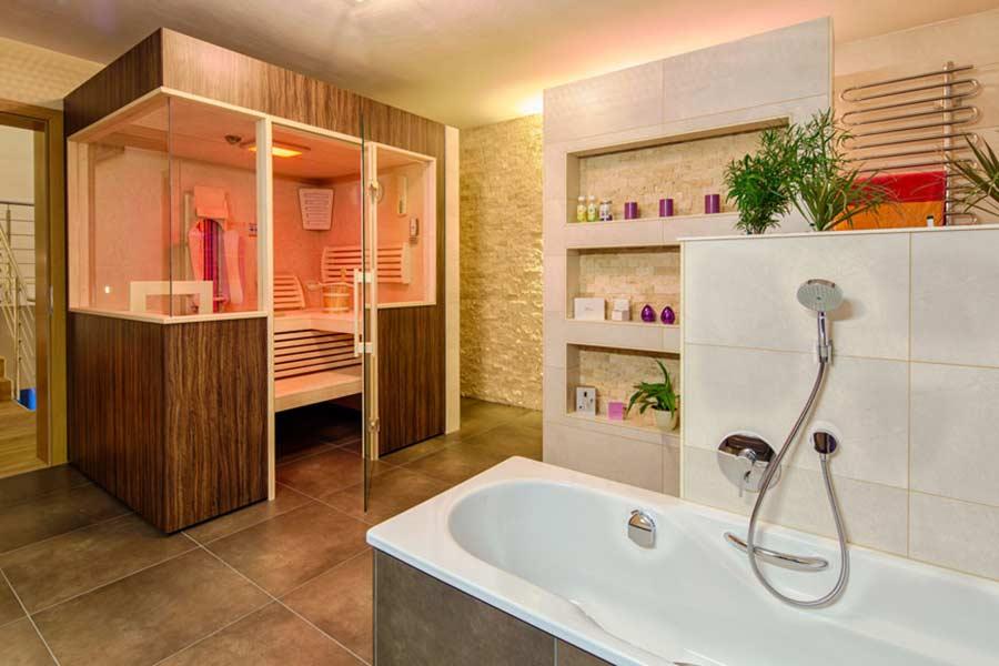 Badezimmer Mit Sauna Und Whirlpool Einfach On überall Nach Maß Für Zuhause Vom Hersteller Aus Linz Kaufen 3
