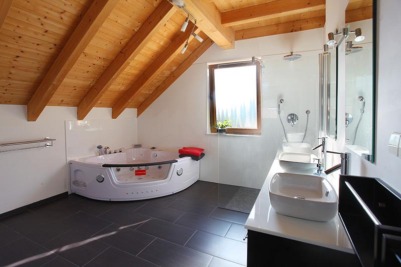 Badezimmer Mit Sauna Und Whirlpool Modern On Ferienhaus Schwarzwald Mieten In Alpirsbach Fronwald 8
