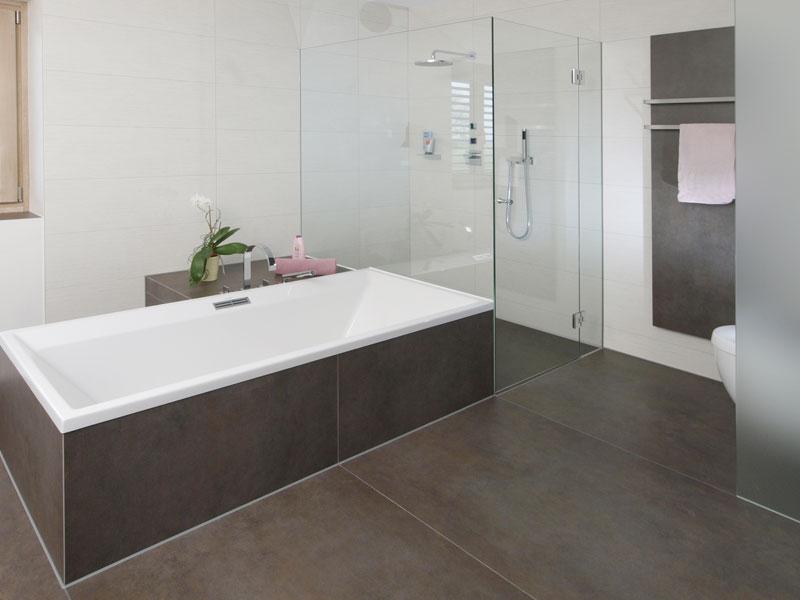 Fliesen Badezimmer Braun