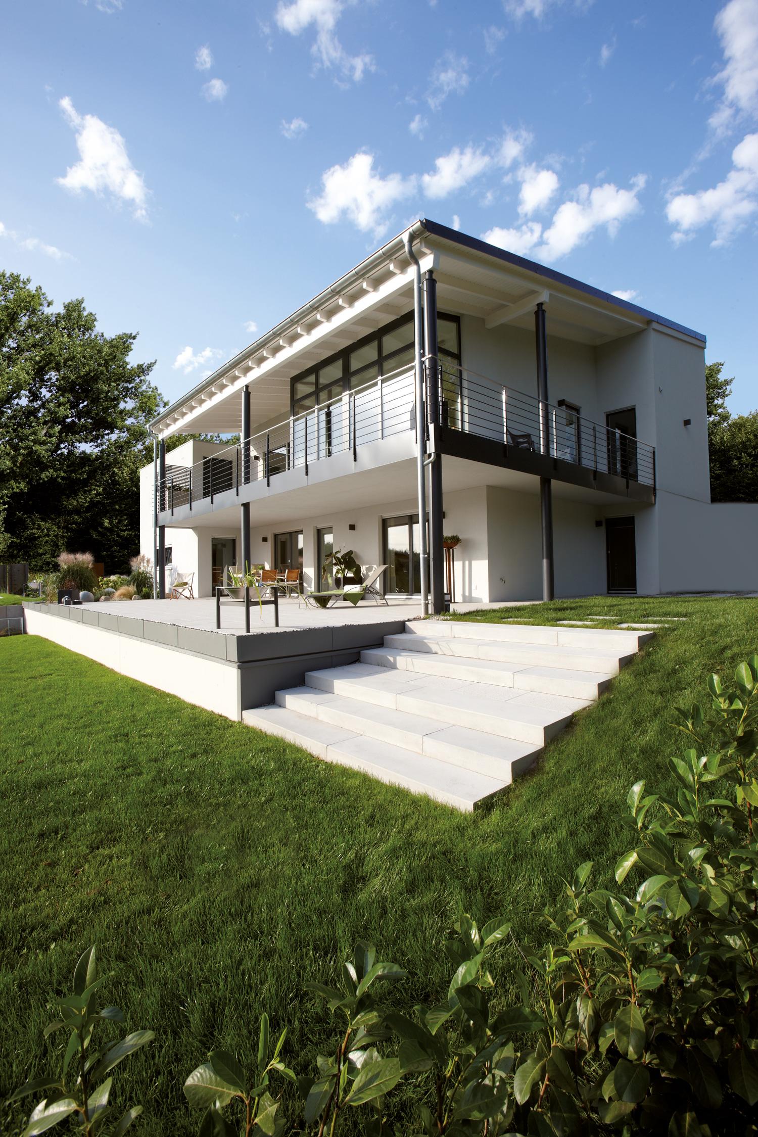 Moderne Gartenhäuser Zum Wohnen Glänzend On Modern Und Architektenhaus Satteldach In Moderner Architektur Bauen Haus 9