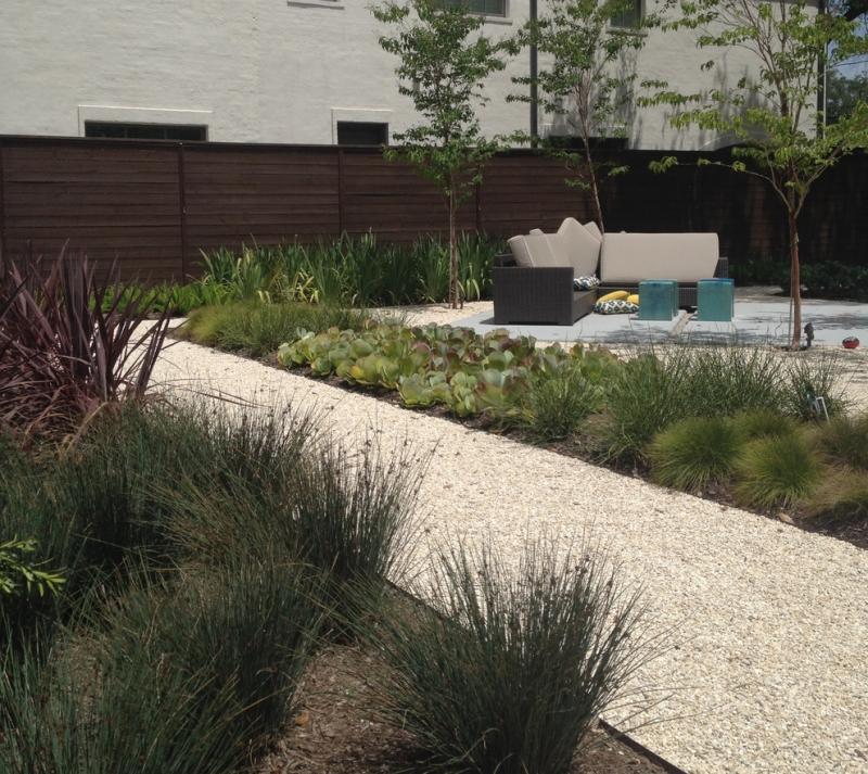 Moderner Garten Mit Gräsern Zeitgenössisch On Modern Innerhalb Gartengestaltung Kies Ideen Naturstein Und 5