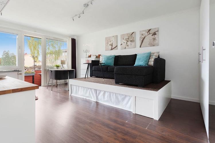 Podest Für Wohnzimmer Bemerkenswert On Innerhalb Wohnung Podestbett Bauen Praktische Lösung 7