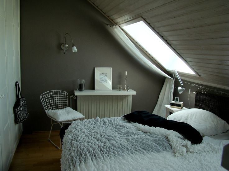 Schlafzimmer Mit Dachschräge Gestaltet Stilvoll On überall Terrasse Einrichten Ideen 8