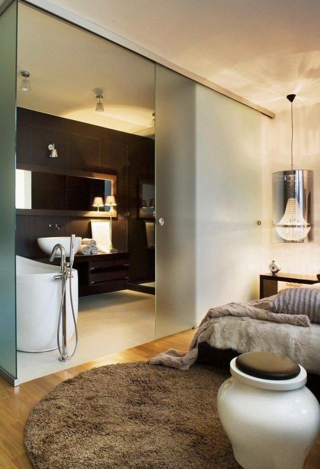 Schlafzimmer Modern Mit Badezimmer Interessant On Für Einrichten Matt Glas Schiebetür 3