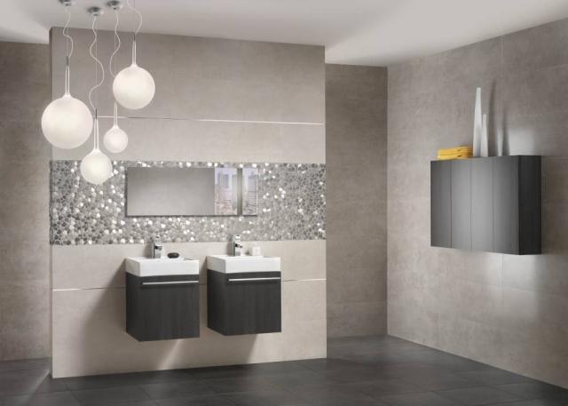 Unglaublich On Badezimmer überall Fliesen Wohndesign 1