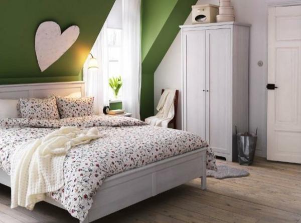 Wandgestaltung Dachschräge Glänzend On Andere Für Schlafzimmer Mit Schöne Gestaltungsideen 7