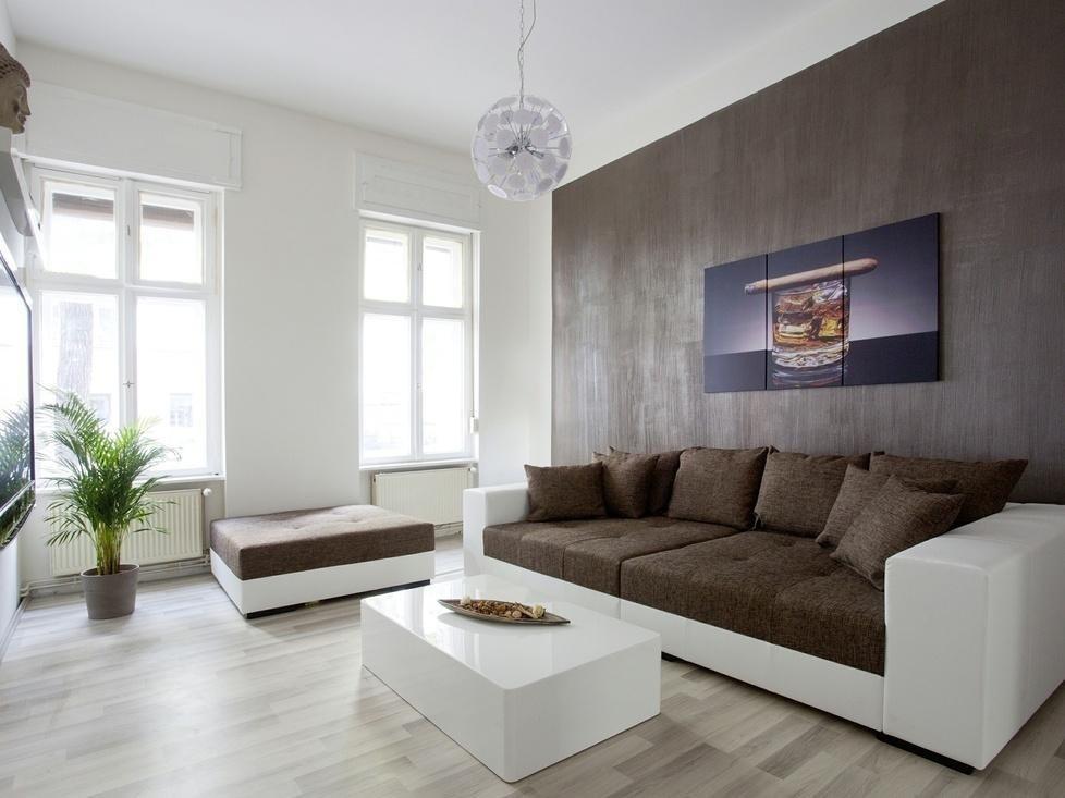 Wohnzimmer Braun Weiss
