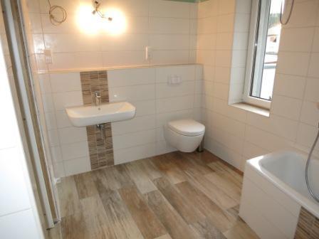 Badezimmer Fliesen Holzoptik Stilvoll On überall Http Www Fliesenfieber De Blog Feinsteinzeug 3