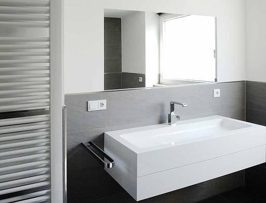Badezimmer Mit Weiß Und Anthrazit Großartig On überall Fliesen Bad Pinterest 4