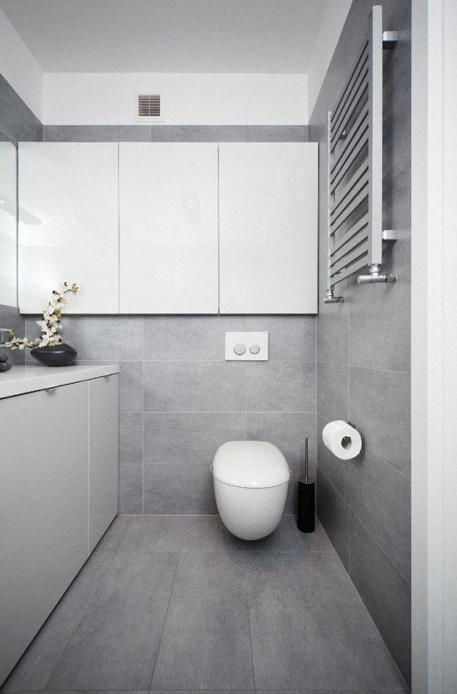 Badezimmer Modern Grau Ausgezeichnet On Beabsichtigt Bad Weis Malerei Auf Liebenswert Fliesen Wohndesign 7