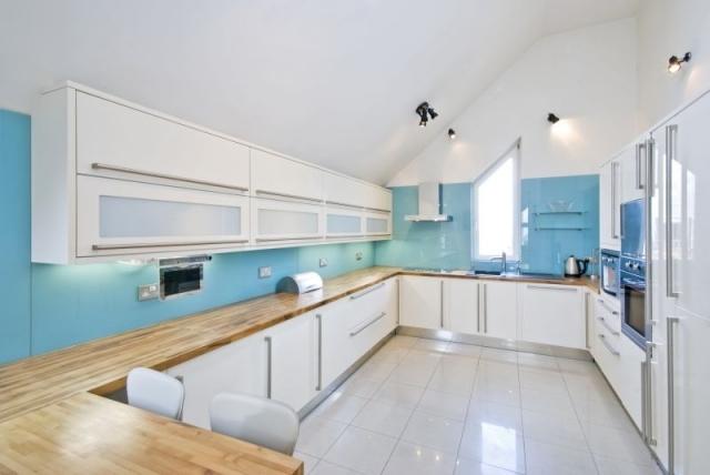Beige Hochglanz Küche Und Holz Arbeitsplatte Wunderbar On Aktuell Wandfarbe 2