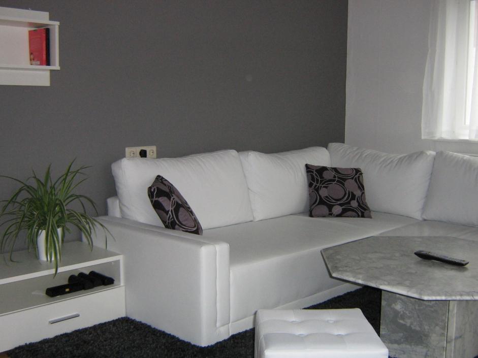 Braune Couch Beige Waende Welche Vorhaenge Unglaublich On Und Schn In 9