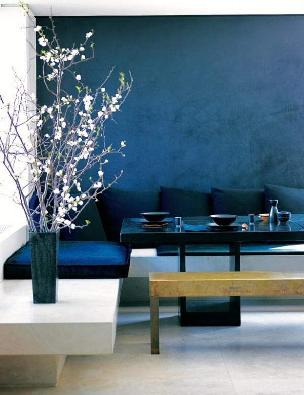 Eine Wand Blau Streichen Wohnzimmer Stilvoll On Auf In Farbpalette Der Wandfarbe FresHouse 1