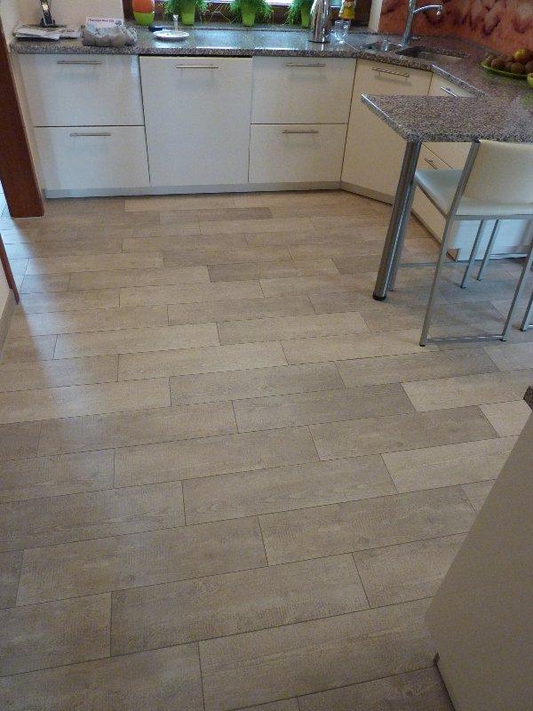 Fliesen Küchenboden Exquisit On Andere Beabsichtigt Gefliester Mit Holzoptik In Kassel Fliesenleger Völk 7