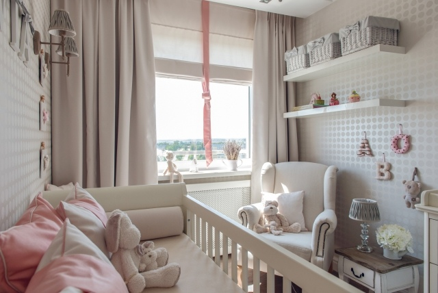 Kinderzimmer In Beige Rosa Großartig On Bezug Auf Kleines Babyzimmer Tapeten Gepunktet Schlicht 6