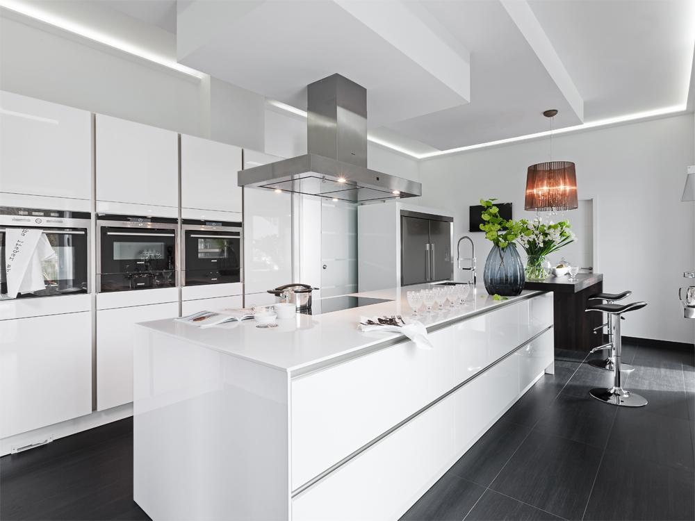 Moderne Küche Mit Kochinsel Glänzend On Modern Und Poggenpohl Musterküche Planung In 5
