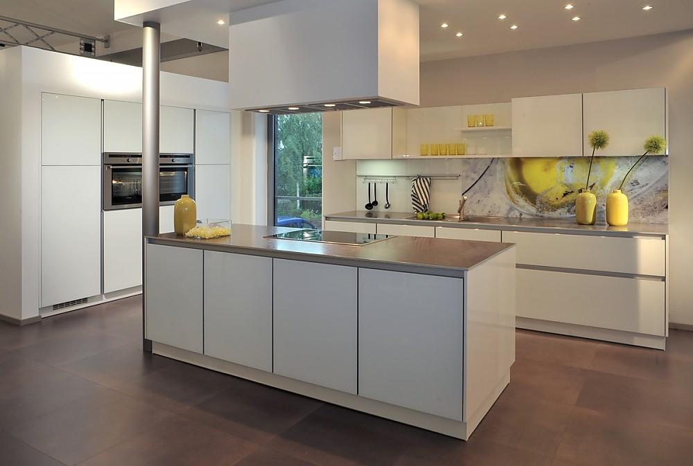 Moderne Küche Mit Kochinsel Und Theke Herrlich On Modern überall Nett Küchen Weiss Weiße KogBox Com Home Design Ideas 5