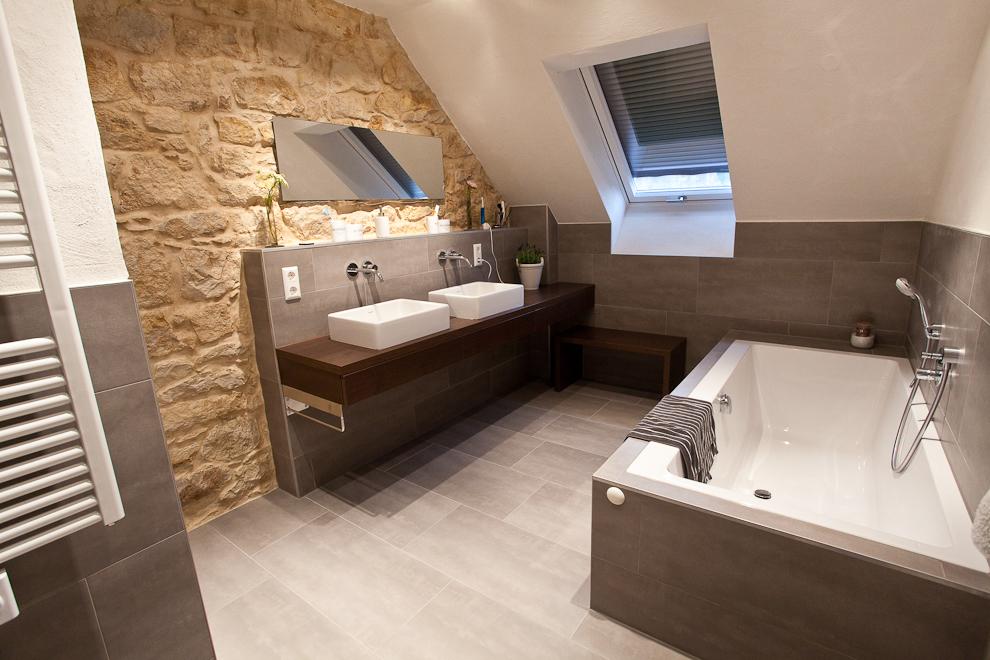 Natursteinwand Badezimmer Bescheiden On Und Cabiralan Com 2