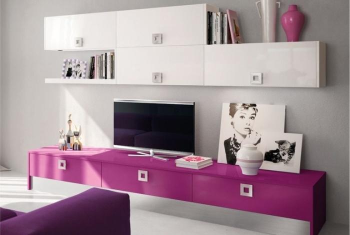 Pinke Wohnwand