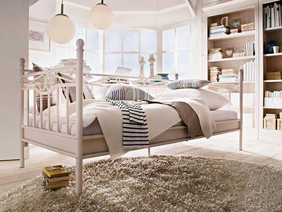 Schlafzimmer Weiß Ikea Charmant On In Bezug Auf Betten Matratzen At 9