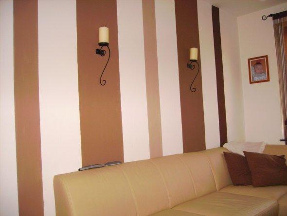 Streifen An Der Wand Braun
