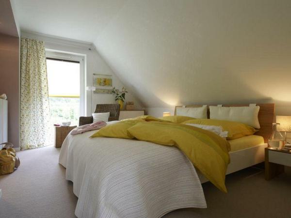 Wohnideen Schlafzimmer Mit Schräge Bemerkenswert On Für Modern Schrge Gestalten 7