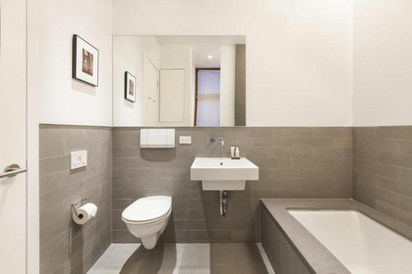 Bad Weiss Bemerkenswert On Andere In Machen Grau Weiß Gefliest Badezimmer Edgetags Info 12 5
