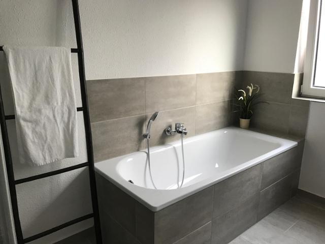 Badezimmer Grau Exquisit On Beabsichtigt Graues Bilder Ideen COUCHstyle 1