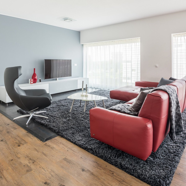 Dunkelrote Wandfarbe Für Wohnzimmer Schön On Beabsichtigt Fur Rote Couch Leder Steingrau 8