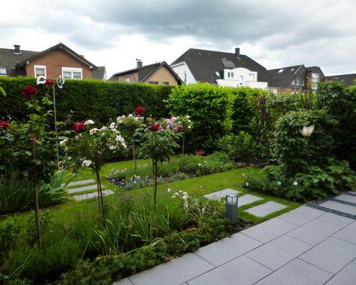 Formaler Reihenhausgarten Bescheiden On Andere überall 1
