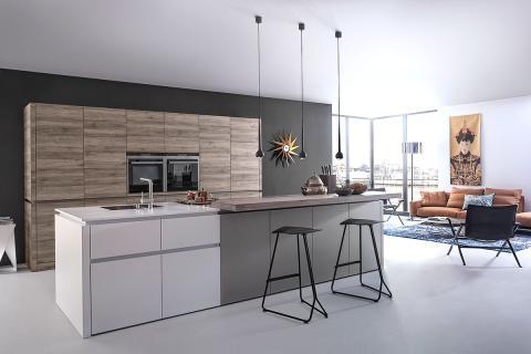 Moderne Küche Kochinsel Herrlich On Modern Für Beeindruckend Nach Hinten Kuche Mit 8