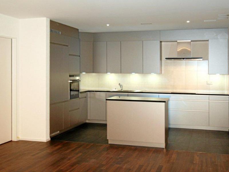 Moderne Küche Mit Kleiner Insel Bemerkenswert On Modern Auf Einfach Und Plus 7