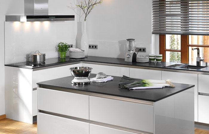 Moderne Küche Mit Kleiner Insel Schön On Modern Und Unglaublich In 8