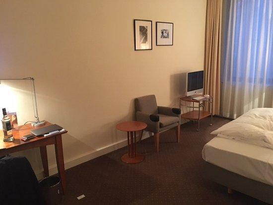 Raumgestaltung Glänzend On Andere Innerhalb Sinnfreie Mit Möbeln Picture 6