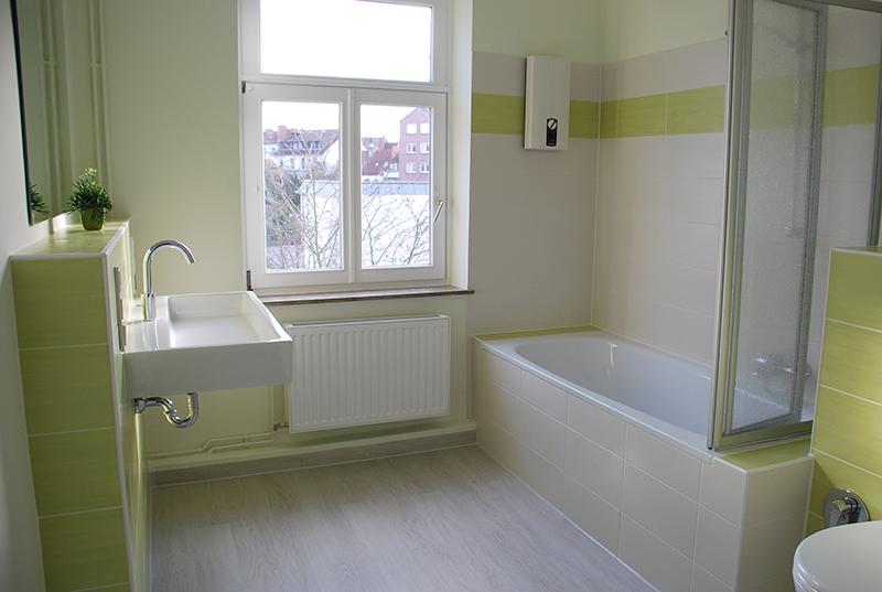 Fliesen Bad Grün Grau Einfach On Andere Für Badezimmer Grun Awesome Vorher Nachher 7 4 Wohnzimmer 1