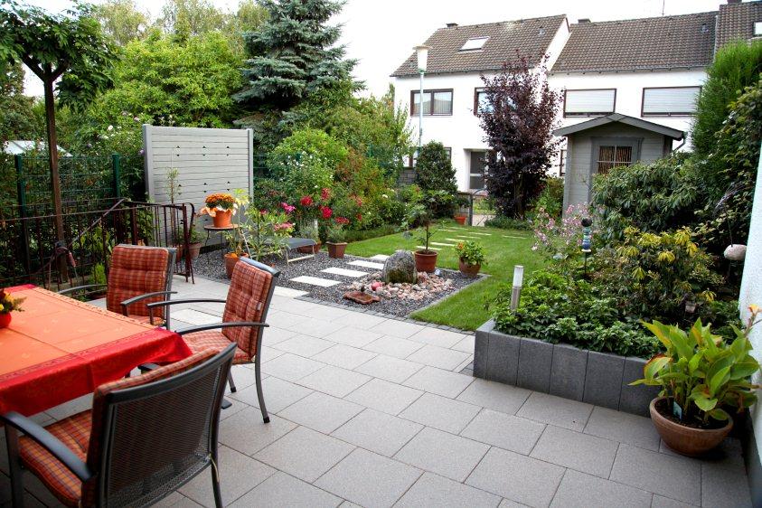 Gartengestaltung Reihenendhaus Modern On Andere Auf Reihenhaus Garten Nach Der Fertigstellung 4