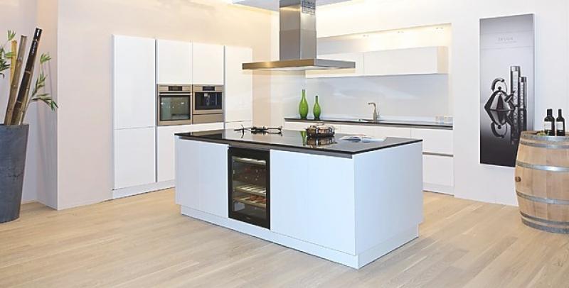 Küche Hochglanz Luxus Kreativ On Andere überall Kche Mit Kochinsel Secretstigma Net 5