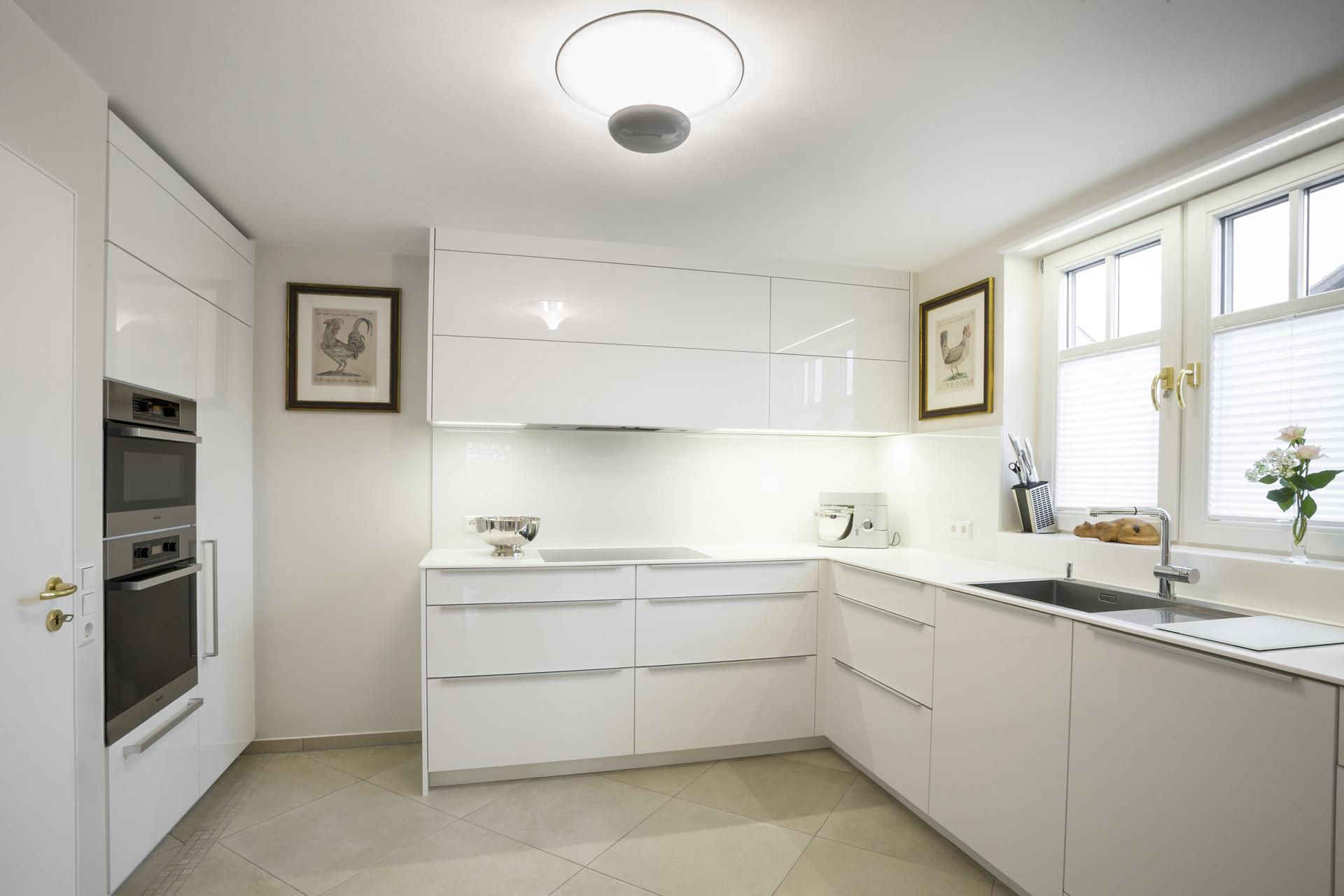 Küche Weiß Hochglanz Kreativ On Andere Beabsichtigt In Weiss Pinterest Kitchens Pantry 7