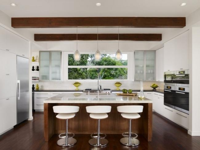 Küchenbeispiele Mit Kochinsel Holz Schön On Andere überall Wohnideen Küche Modern Weiß Dachbalken 2
